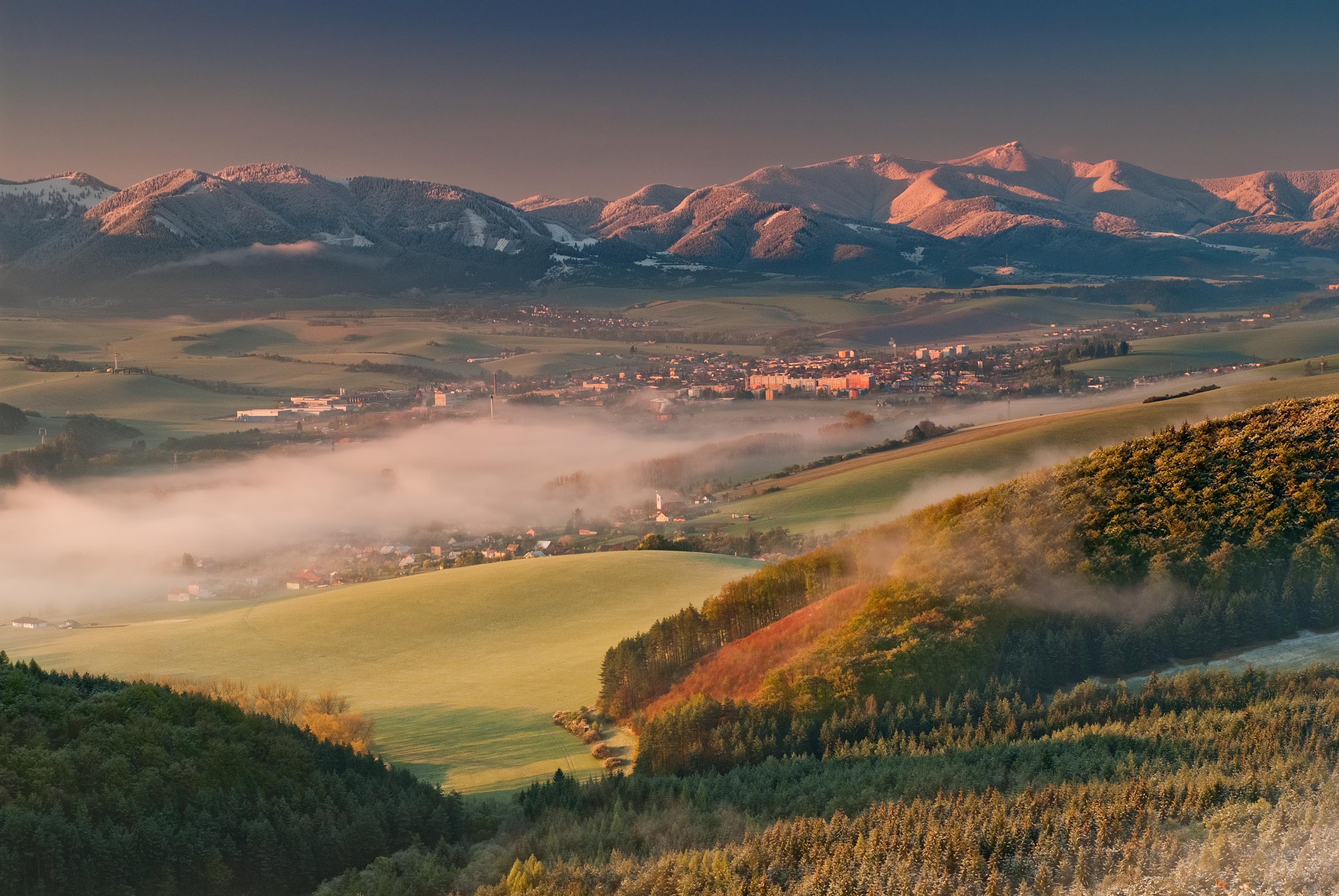 Ráno v Rajeckej doline (autor: Viktor Kobrtek)